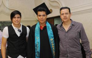 28072016 EN FAMILIA.  Jared, Luis y José Luis.