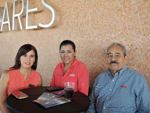 28072016 EN COCTEL.  Beatriz, Norma y Guerrero.