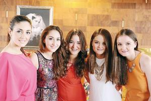 31072016 MUY GUAPAS.  Paola, Erika, Vero, Sara y Ana.
