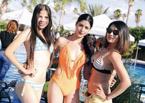 31072016 DISFRUTAN DE LAS VACACIONES.  Paulina, Raquel y Ari.