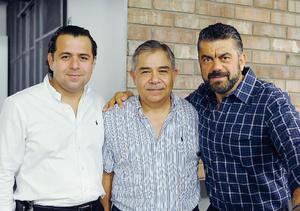 31072016 EN BRINDIS INAUGURAL.  José, Gerardo y Jorge.