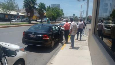 A los conductores se les aplicaron sanciones por 300 salarios mínimos, que equivalen a casi 22 mil pesos.