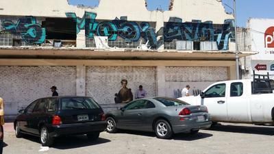 Así luce un muro de la calle Valdez Carrillo.