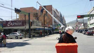En un edificio de la calle Rodríguez, entre Morelos y Juárez, artistas han colocado la obra.