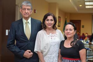 02082016 Luis, Maribel y Regina.