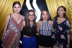 Andrea, Mirtha, Andrea y Marian.jpg