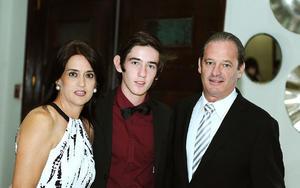 Elsi, Fernando y Gregorio.jpg