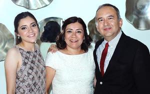 Mariana, Aracely y Carlos.jpg