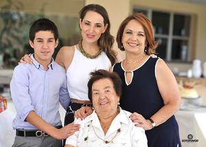 Carlos, Lily, Angelina y Angelina.jpg