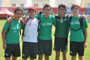 Lalo, El Profe, Árbol, Diego y Capi.jpg
