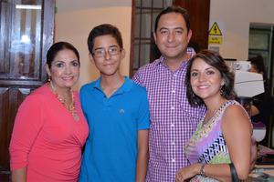 03082016 Roger, Victoria y Sergio.