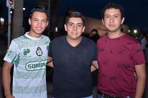 03082016 AMIGOS.  Ángel, Carlos y Javier.