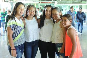 05082016 Pamela, Amina, Mary Pau, Romina y Yanina.