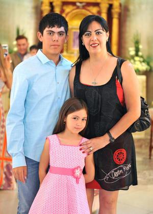 08082016 Carlos Daniel, Bárbara y Barbie.