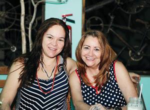 05082016 DIVERTIDAS.  Sabrina y Patricia.
