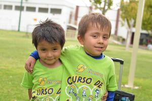 09082016 AMIGUITOS.  Emiliano y Diego.