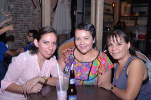 09082016 Yuri, Verónica y Rox.