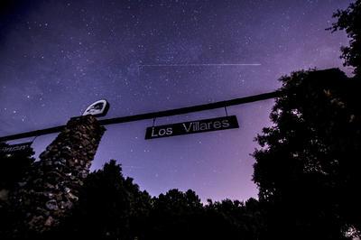 """El parque forestal de Los Villares, ubicado en Sierra Morena, lugar que está considerado lugar Starligth como uno de los 11 mejores lugares del mundo para observar el fenómeno Las """"Lágrimas de San Lorenzo"""" o Perseidas, llegan a su máximo esplendor esta madrugada con una tasa de entre 200 y 580 meteoros por hora."""