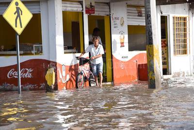 Colonias del sur sufrieron severas inundaciones.