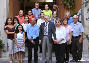 11082016 Los esposos se hicieron acompañar de sus familiares y amistades cercanas.