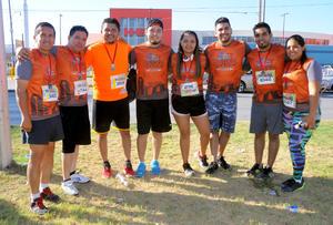 14082016 CORREDORES.  José, José, Feliciano, Víctor, Pamela, Agustín, Jonathan y Ángeles.