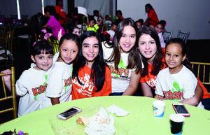 14082016 CONVIVEN.  Valeria, Isabela, Adriana, Andrea, Aliz y Natalia.
