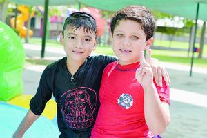 15082016 CONTENTOS.  Mauricio y Yussef.