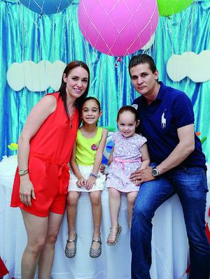 13082016 Olga, Natalia, Sofía y Miguel.