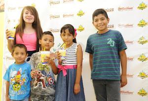 11082016 Julissa, Leonel, Deyvi, Melanie y Daniel.