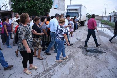 Vecinos le mostraron al alcalde las afectaciones.