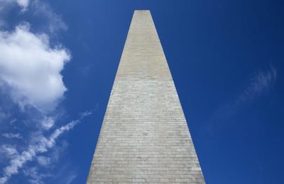 WASHINGTON (ESTADOS UNIDOS)16.- Vista del Monumento a Washington que permanece cerrado debido a una avería en el cable del ascensor entre los pisoso 490 y 500 de dicho monumento en Washington, Estados Unidos. EFE/Shawn Thew