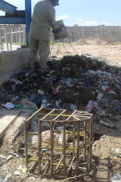 Trabajadores han extraído todo tipo de basura.