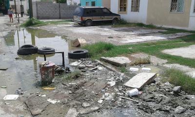 La irresponsabilidad ciudadana también es uno de los factores que provocan daños por lluvias en las calles de Torreón.