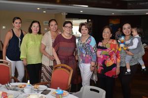 19082016 Lily, Maricarmen, Carmen, Hilda, Mika, Consuelo, Sofía y Carmelita.
