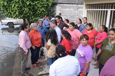 Los vecinos de la colonia Residencial del Norte le expresaron sus inquietudes al alcalde.