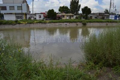 Los 30 metros cúbicos de agua (30 mil litros) restantes, se desfogan por el lado de Gómez Palacio en el ejido San José de Viñedo, por la parte baja del libramiento Norte, cercano al ejido La Concha en Torreón.