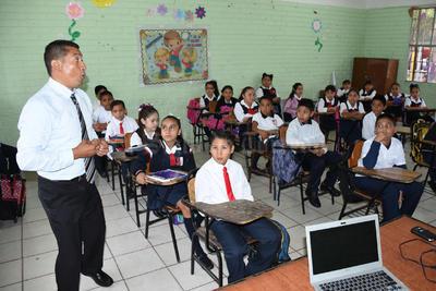 Los maestros laguneros regresaron a la escuela con entusiasmo.