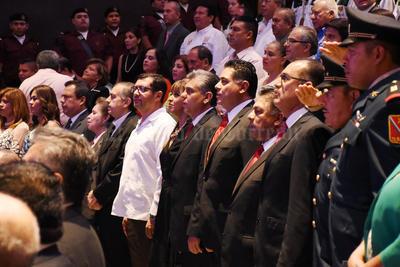 En su discurso, agradeció la labor del gobernador del estado como el principal de recursos para el municipio de Lerdo, también lo hizo con la señora Tere Álvarez del Castillo de Herrera.