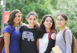 22082016 Mónica, Paola, Julia y Miriam.