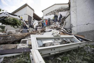 Unas 160 réplicas se han registrado en el centro de Italia después del terremoto de 6 grados en la escala abierta de Richter.