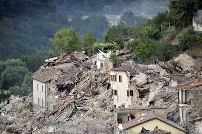 El terremoto que se produjo a las 03:36 hora local (01:36 GMT) cerca de la población de Accumoli, en la provincia de Rieti, y su epicentro se situó a tan solo 4 kilómetros de profundidad, según el Instituto Nacional de Geofísica y Vulcanología de Italia.