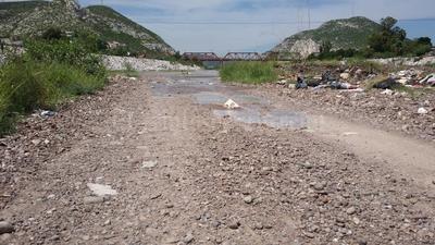 Desde las ocho de la mañana de este miércoles, la Comisión Nacional del Agua incrementó el gasto que se vertió por el lecho del Río Nazas a 65 metros cúbicos por segundo.