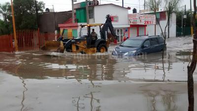 El agua de algunas llegó a alcanzar los cofres de los coches.