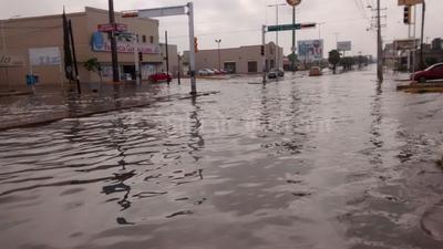 La lluvia rergistrada desde las primeras horas de hoy viernes han dejado 21.3 milímetros de agua, de acuerdo al reporte de la Comisión Nacional del Agua.