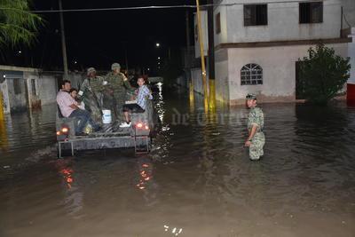 El pluviómetro de la Estación Meteorológica de Torreón captó en aproximadamente una hora 29.6 milímetros de precipitación, lo que desquició nuevamente la ciudad con inundaciones, caída de árboles y cableado eléctrico, así como el derrumbe de una finca en la colonia Primero de Mayo y otra en el ejido La Joya.