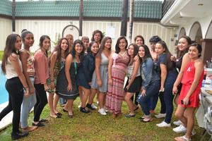 28082016 SERá MAMá PRONTO.  Paola Michelle acompañada de sus amigas en su fiesta de canastilla.