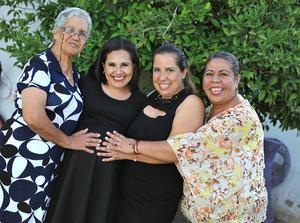 28082016 FELICES.  Mely Ramírez Méndez con las organizadoras de su baby shower: Silvia Martínez de Montañez, Agueda Montañez y Adriana Rodríguez.