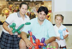 30082016 TALLER DE GLOBOFLEXIA.  Ana Karen, Isaías y Ana Paola.