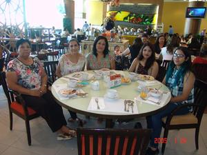 31082016 Martha, Irma, Olga y María Elena.