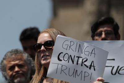 También se realizó la invitación para protestar en el Hemiciclo a Juárez.